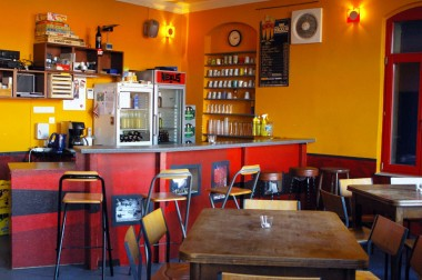 Der Thekenbereich / Cafe